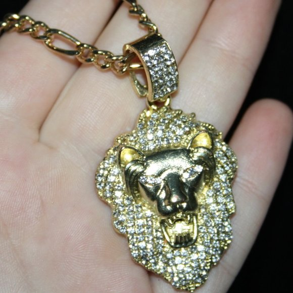 "Beautiful 22"" gold Lion head necklace with bling"